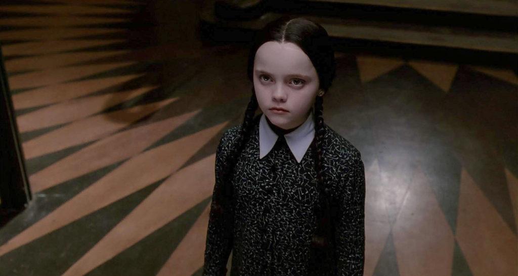 Tim Burton se muda a la pantalla chica. Conoce su proyecto Wednesday