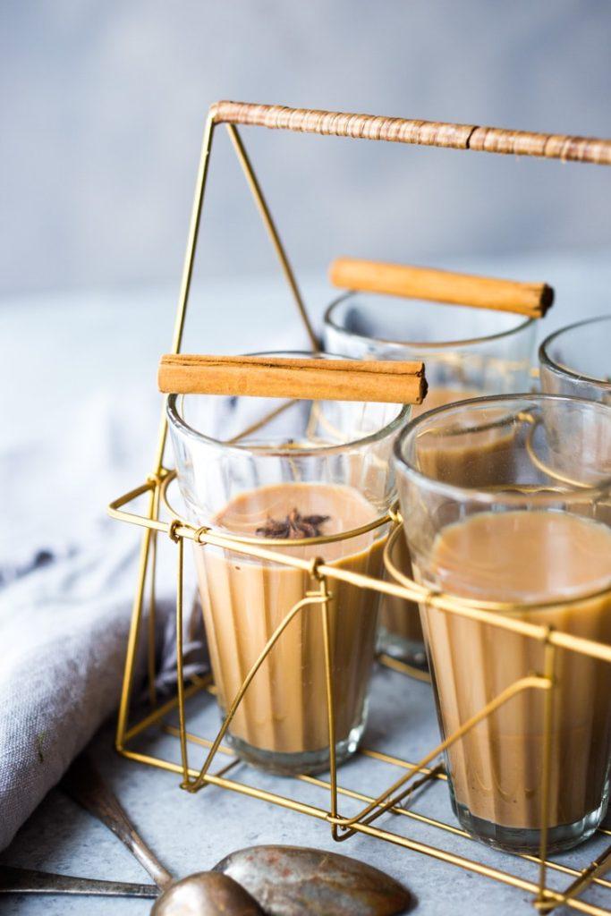 Prepara un delicioso masala chai latte from scratch en tan solo 5 minutos