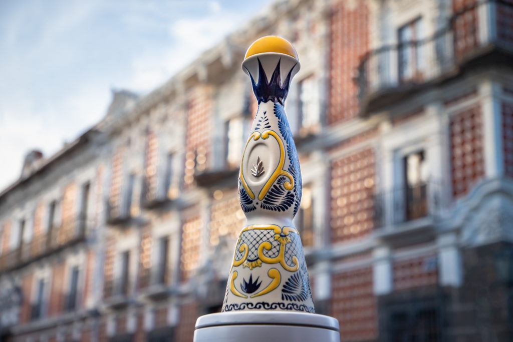 Tequila Clase Azul: un tributo a Puebla en una sola botella