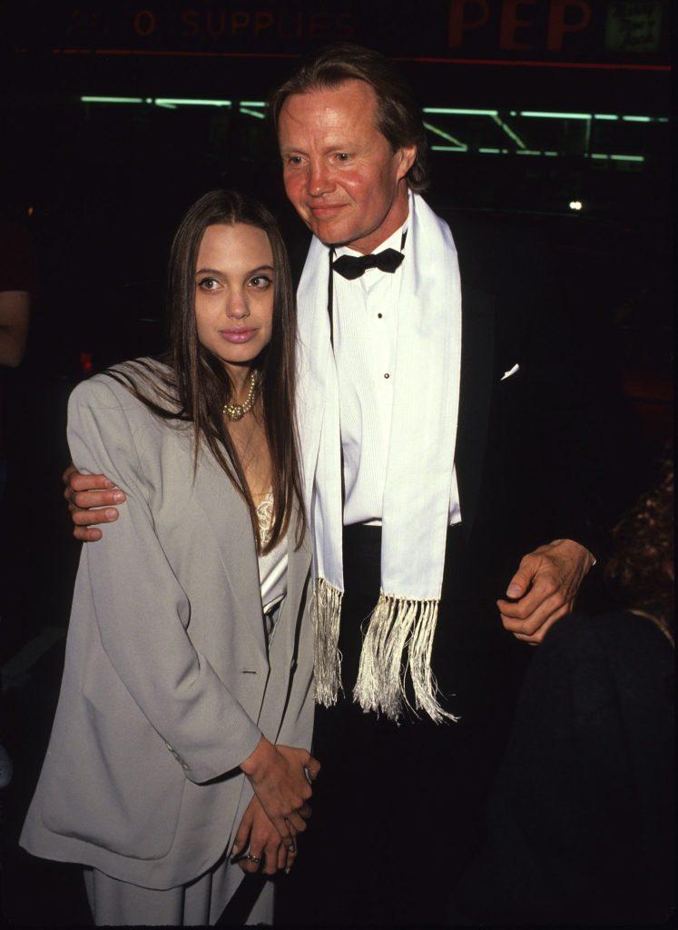 ¡Feliz cumpleaños Angelina Jolie! Fun facts de la diva más famosa de Hollywood - foto-2-feliz-cumpleanos-angelina-jolie-fun-facts-de-la-diva-mas-famosa-de-hollywood