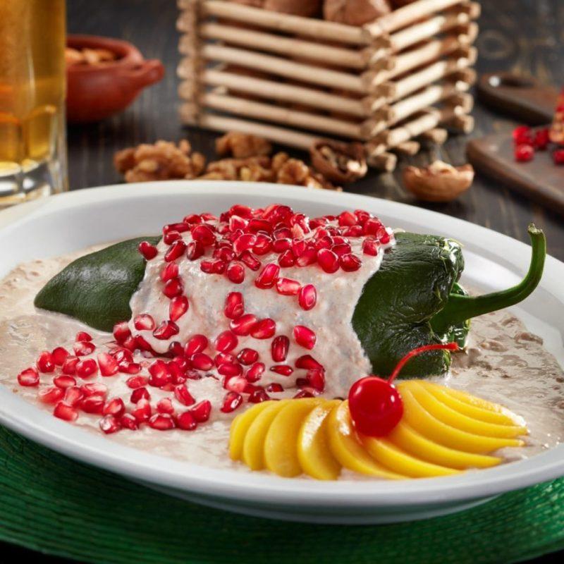 Nuestros chiles en nogada favoritos de esta temporada - los-mejores-chiles-en-nogada-hotbook-caldos-d-leo