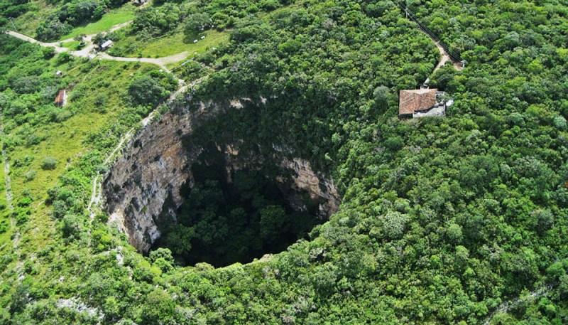 Parques naturales mexicanos que no puedes dejar de conocer - sima-de-las-cotorras-chiapas-parque-naturales-mexicanos-que-no-puedes-dejar-de-conocer