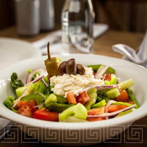 Gyaros Estiatorio, comida griega con estilo - gyaros-estiatorio-comida-griega-con-estilo-ensalada-griega