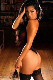 Kim-Lee-Model-Picture-42
