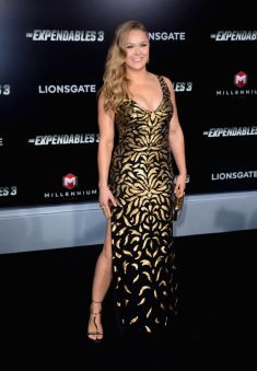 ronda-rousey-the-expendables-3-premiere-in-hollywood_4