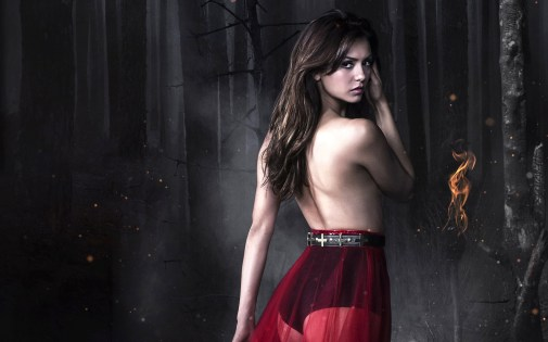 Nina-Dobrev-Hot-in-The-Vampire-Diaries-Wallpaper