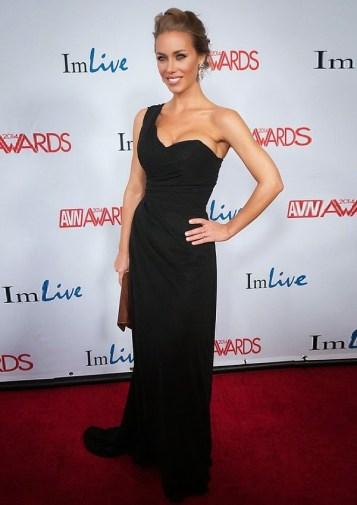 Nicole-Aniston01
