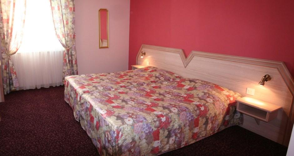 chambre-deux-lits-hotel-au-relais-de-l-ill