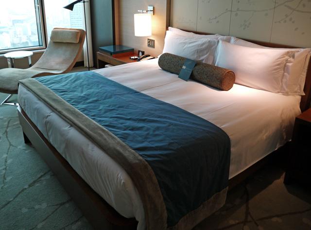 コンラッド東京_ベッド