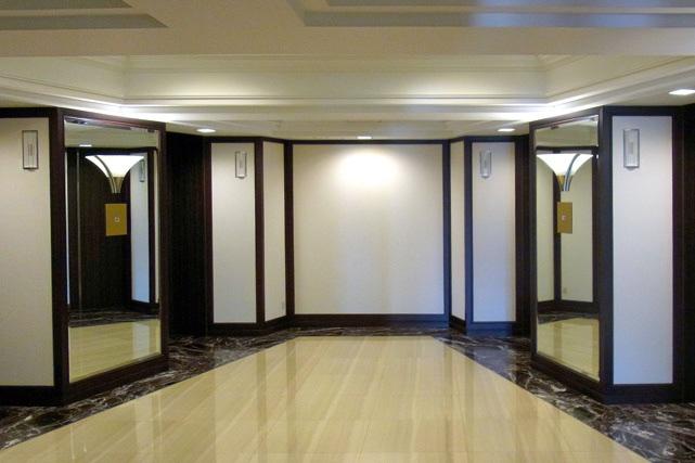 ヒルトン東京_エレベーターホール
