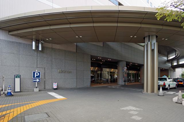 ロイトン札幌_メインエントランス