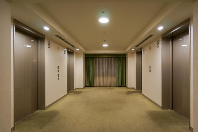 ロイヤルパインズホテル浦和_エレベーターホール