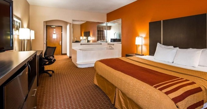 King suite with a Whirlpool in the room in Best Western Plus North Houston Inn & Suites, TX