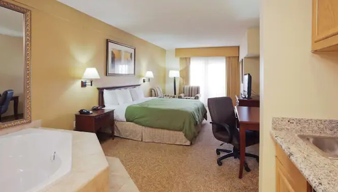 Whirlpool suite in Country Inn & Suites by Radisson, Mesa, AZ Hotel