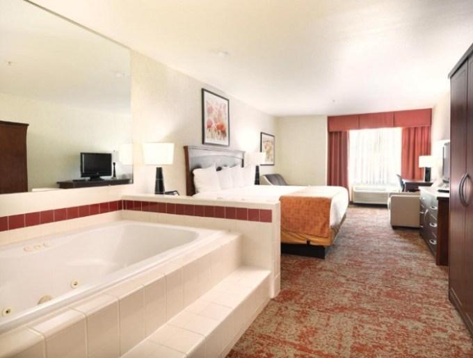 Hot Tub room in Crystal Inn Hotel & Suites - Salt Lake City, Utah