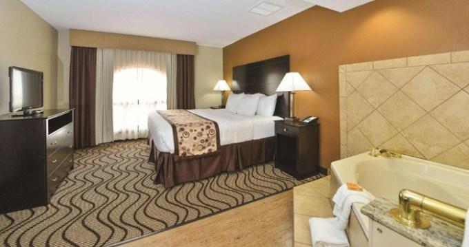 Hot tub suite in La Quinta by Wyndham Indianapolis Greenwood Hotel, Indiana