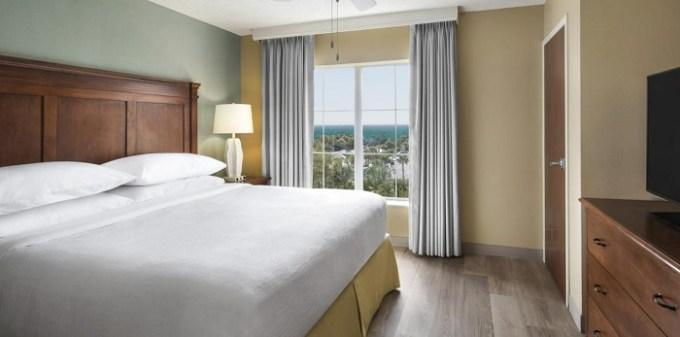 Beachfront suite in Embassy Suites Destin Miramar Beach Hotel, Florida