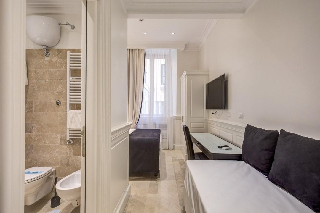 Quiriti's Hotel Suite
