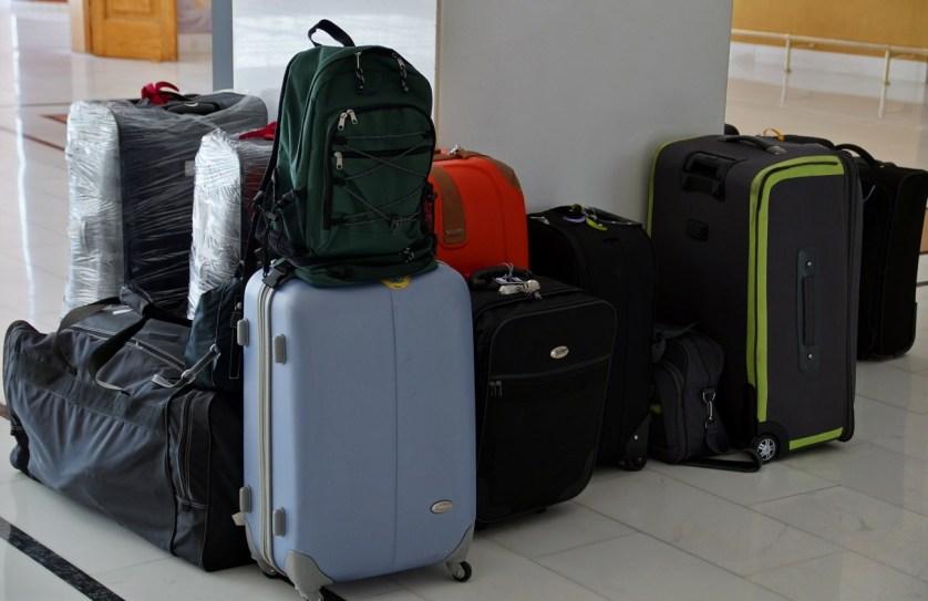 Imagens de malas e mochilas para viagem