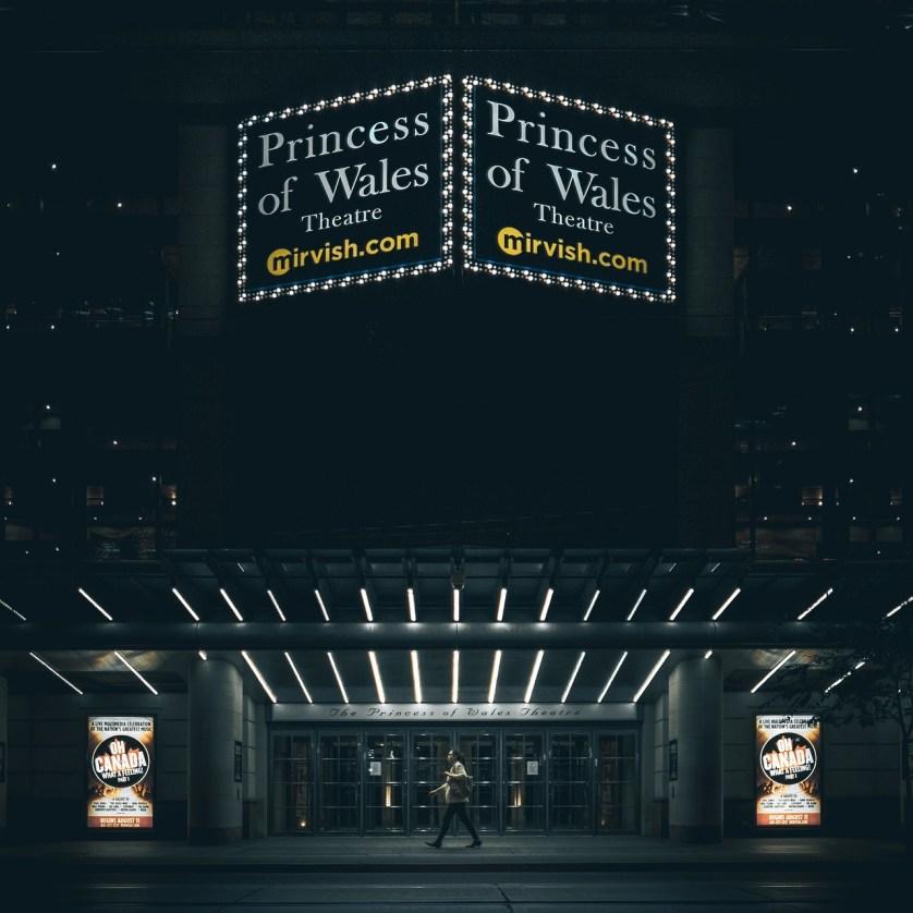 imagem-da-fachada-do-teatro-princess-of-wales
