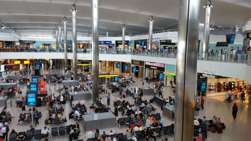 imagem-interna-do-aeroporto