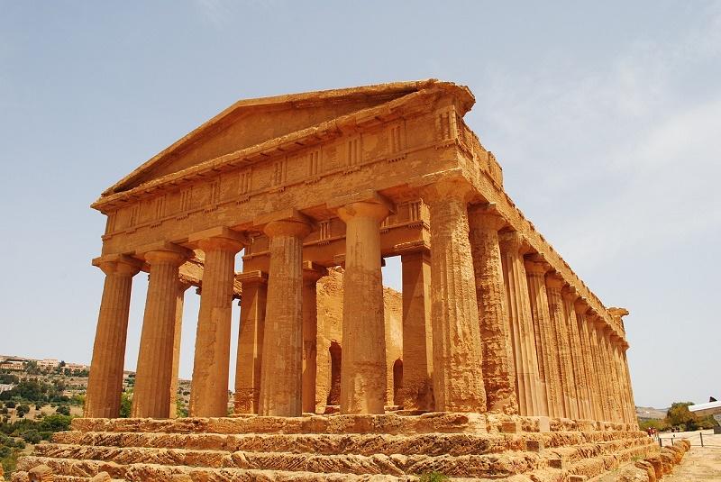 imagem-de-ruinas-do-vale-dos-templos