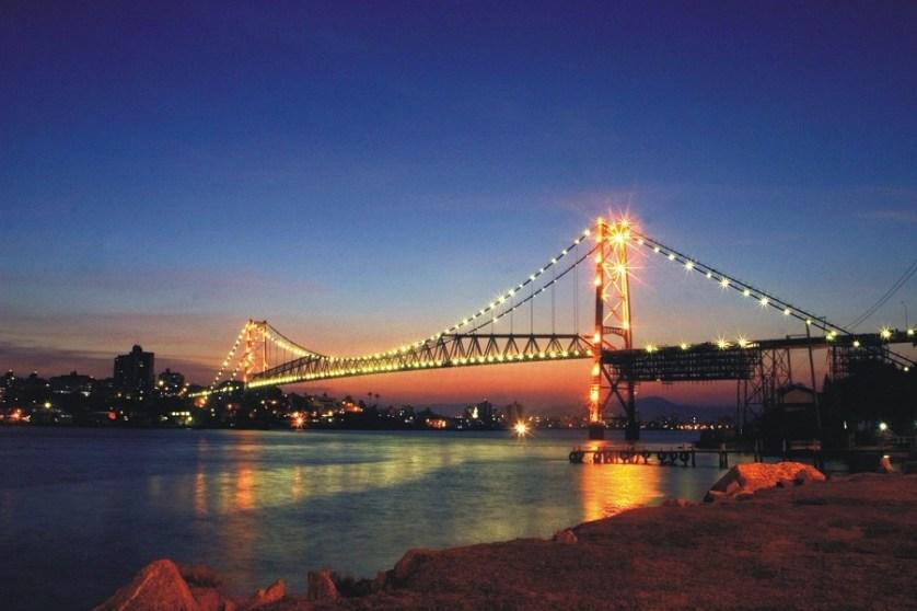 imagem-de-ponte-luminosa