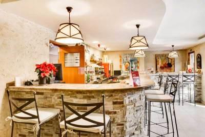 cafeteria-del-hotel-el-corzo
