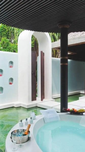 74-escales-en-iles-maldives-baa_Page_3_Image_0001