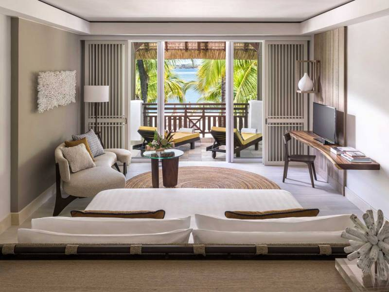 frangipani-deluxe-suite-bedroom-259_3_12_2015
