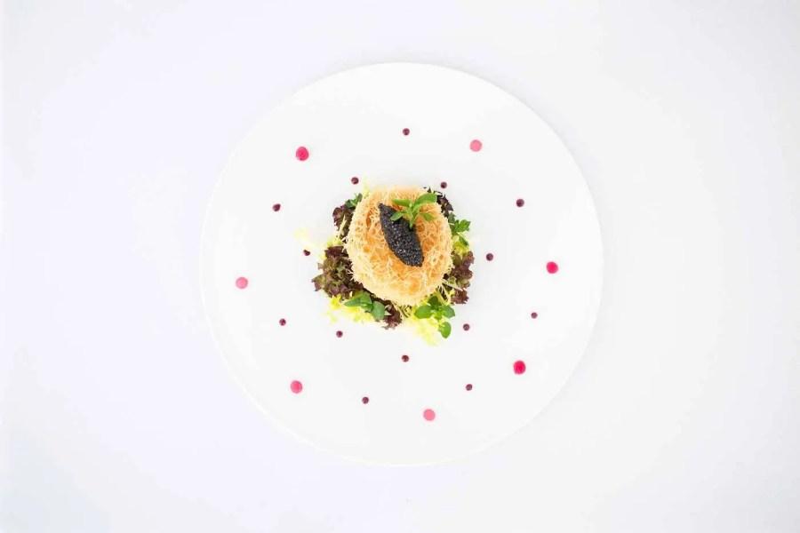 le-144_petrossian_oeuf-en-coque-et-caviar