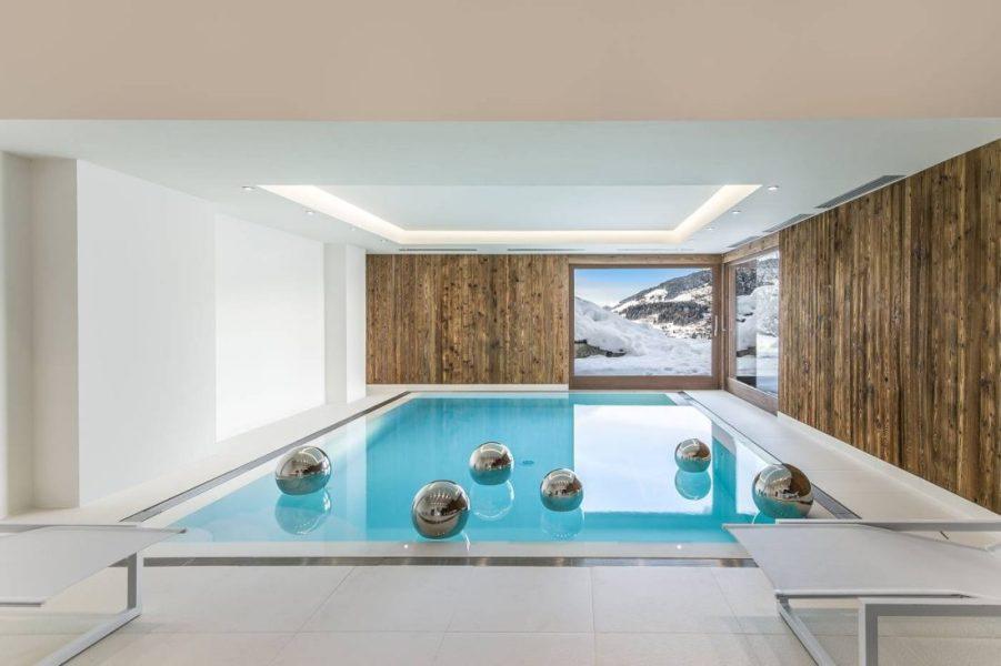 piscine-nouveau-chalet-ararat-megeve-photo-laurent-debas-cimalpes-1