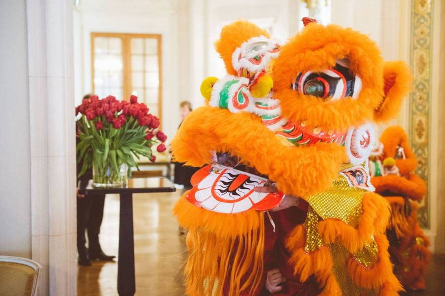 Danse-des-lions---Nouvel-An-Chinois---Shangri-La-Hotel,-Paris---Credit-Skiss