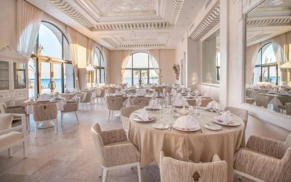 Restaurant-Adra-2