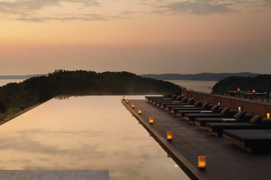 RS3126_Amanemu---33-metre-outdoor-lap-pool-at-dawn-with-views-over-Ago-Bay-copie