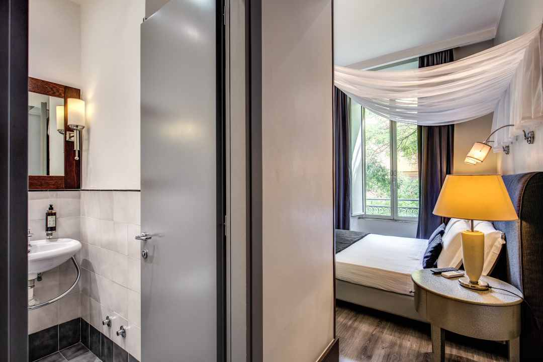 Hotel - 52