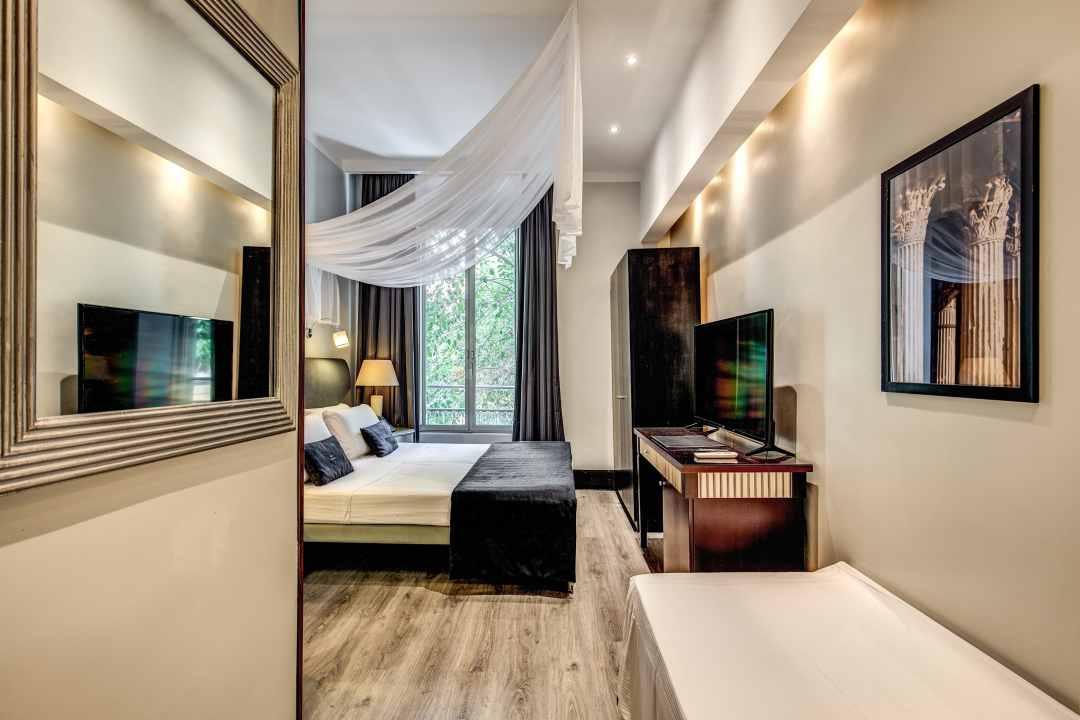 Hotel - 60