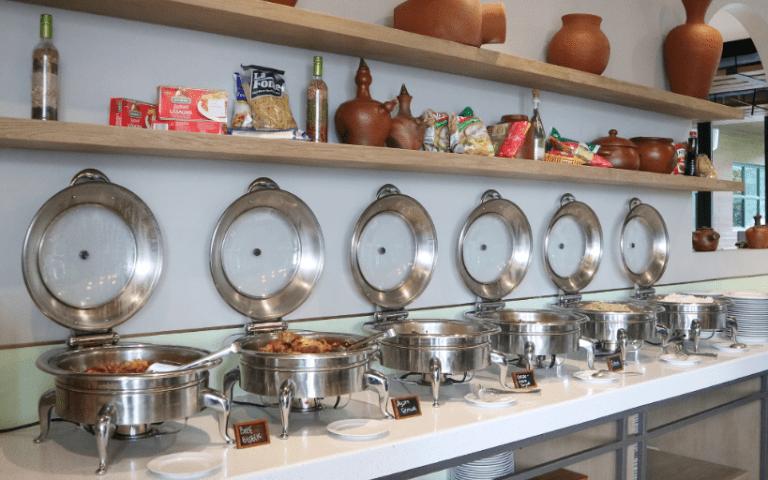 hotel-artotel-yogyakarta-roca-restaurant