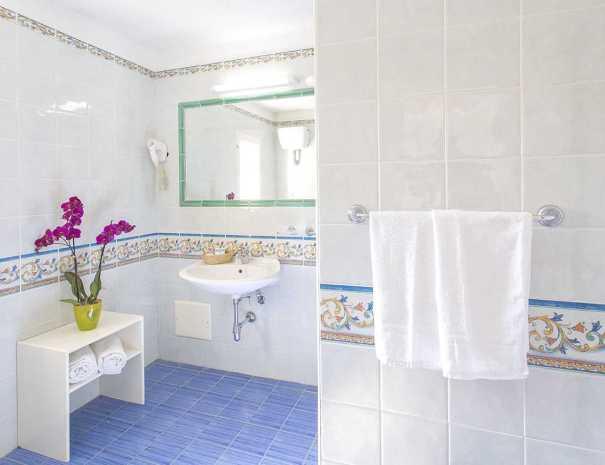 Bagni_Hotel_La_Scogliera (1)