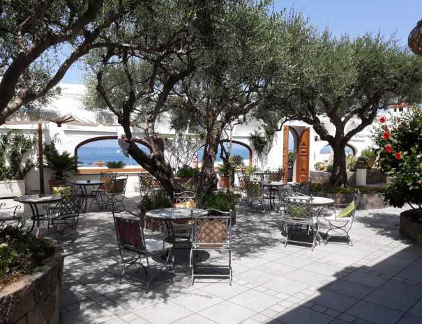 Esterni_Hotel_La_Scogliera (1)