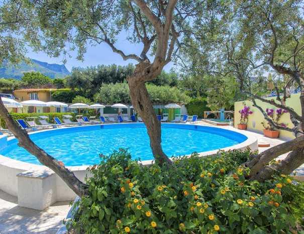 Piscine_Hotel_La_Scogliera_ischia (3)