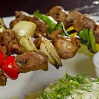 Herzhaftes aus der ungarischen Küche für den Grill: Schaschlikspiesse