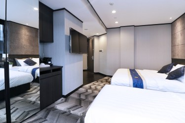 Family Suite Beds