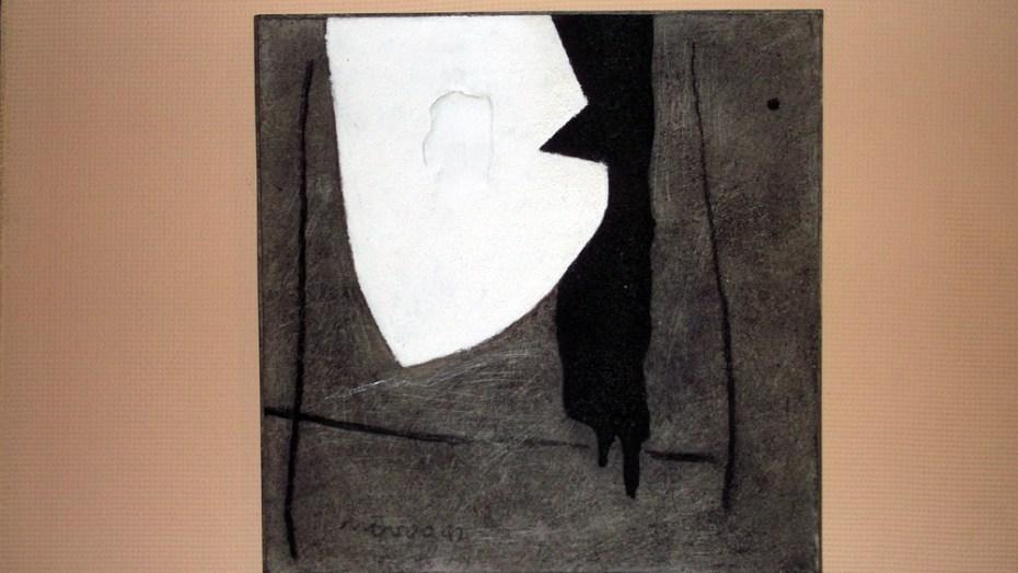 Leopoldo Novoa Forma blanca con trazos negros