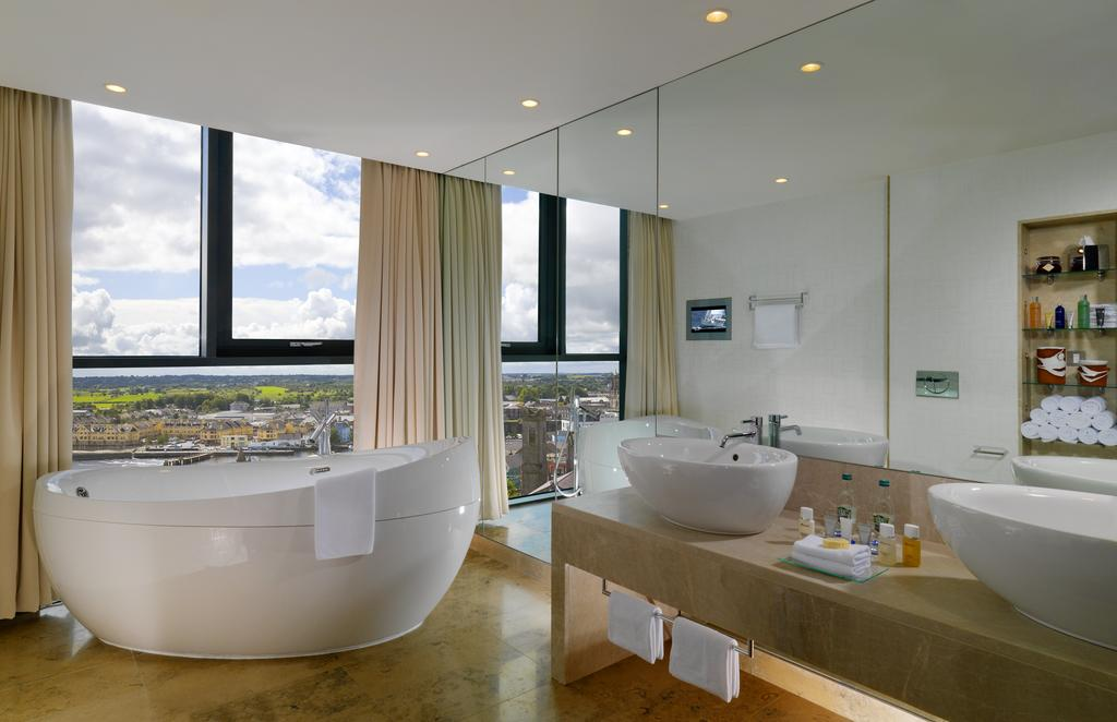 Luxury bathroom of the Sheraton Hotel, Athlone.