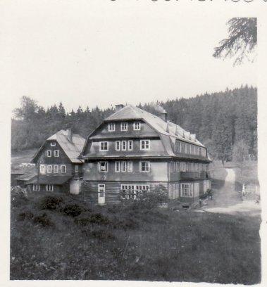 1945_4b