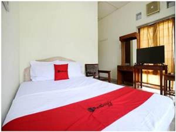 Kamar Tipe Suite Family Bedroom di OYO 677 Rianes Family Guest House