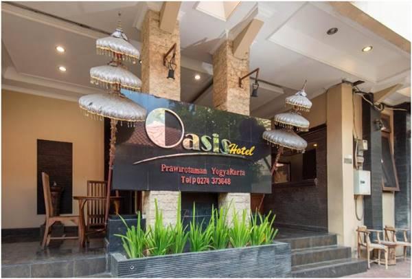 View Depan Oasis Hotel Jogja