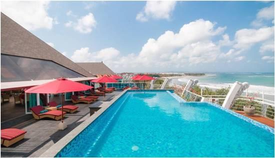 Kolam Renang Kutabex Beach Front Hotel
