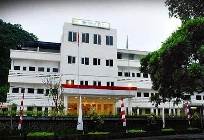 3. Sempur Park Hotel